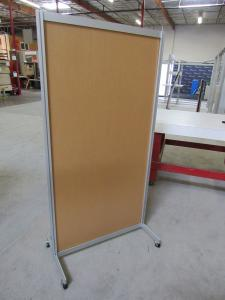 Flat and L-Shaped Safety Dividers with Base Plates or Castors -- Image 4